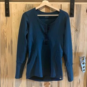 REI retro inspired waffle thermal long sleeve top